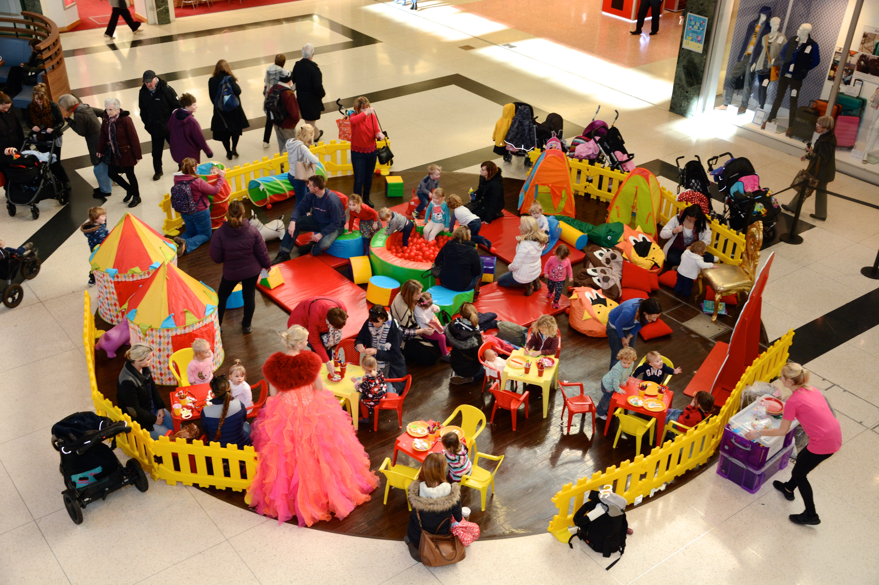 Create your own Wonderland with Alice at Dolphin Shopping Centre's Little Fins
