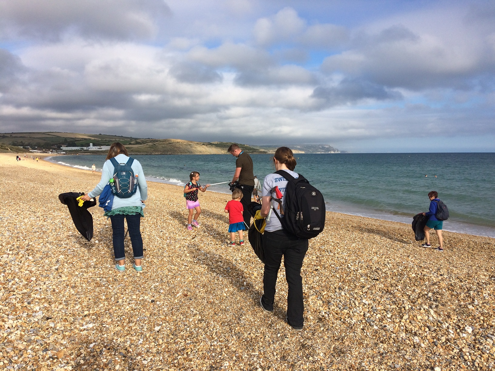 Weymouth SEA LIFE staff and volunteers take on Great British Beach Clean 2